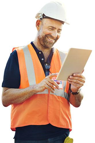 Bauleiter nutzt Bausoftware